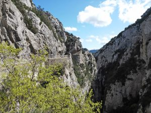 voyage-moto-france-motorcycle-tour-pyrenees-moto-guzzi-cathares-w-6