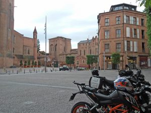 voyage-moto-france-motorcycle-tour-tarn-albi-w-1