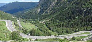 vue panoramique aux pieds d'Andorre lors de ce voyage à moto