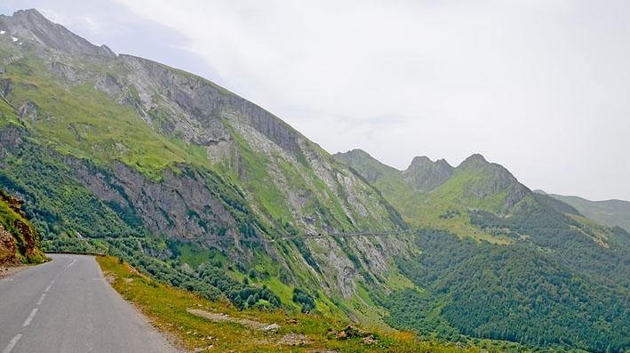 route des crêtes dans les Pyrénées lors de ce voyage moto accompagné