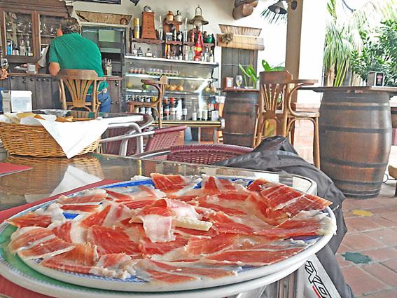 tapas jambon voyage moto andalousie Espagne