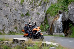 voyage-moto-france-motorcycle-tour-pyrenees-7-tourmalet-aubisque-w-1