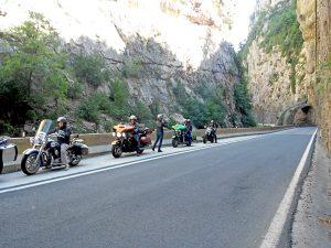 voyage-moto-france-motorcycle-tour-pyrenees-ainsa-w-2