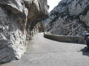 voyage-moto-france-motorcycle-tour-pyrenees-moto-guzzi-cathares-w-5