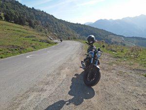 voyage-moto-france-motorcycle-tour-pyrenees-moto-guzzi-col-aspin-w-8