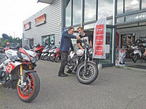 voyage-moto-france-motorcycle-tour-pyrenees-moto-guzzi-w-1