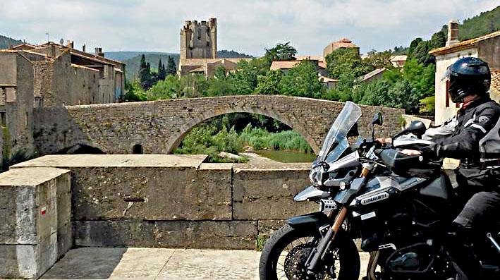 parmis les chteaux Cathare lors de ce voyage moto accompagné dans les Pyrénées