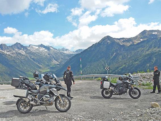 voyage moto pyrénées