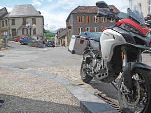 voyage-moto-pyrenees-motorcycle-tour-ducati-5