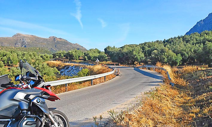 Motorcycle-Tour-Bmw-Travel-Spain-Andalucia-Malaga-Granada (1)_W