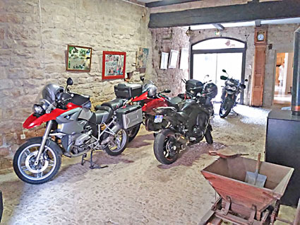 voyage-moto france sud Cordes ciel