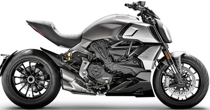 Rental_Ducati_Diavel1260