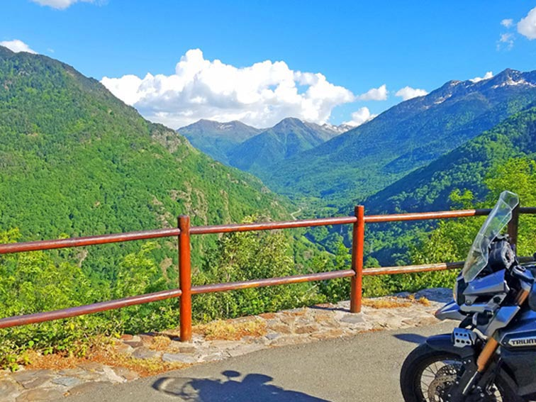Hedonist-France-Pyrenees-2_Voyage-Moto-Luchon