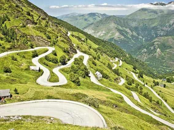 Hedonist-France-Pyrenees-5_Voyage-Moto-Tourmalet