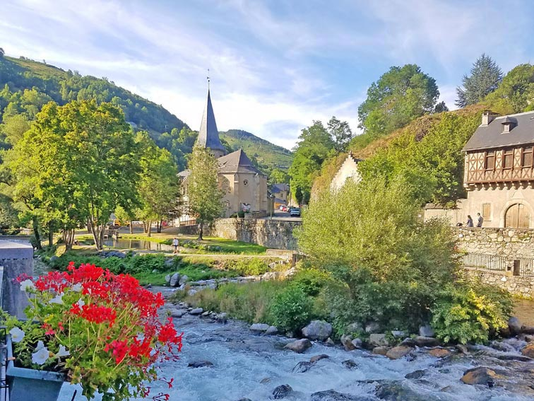 Hedonist-France-Pyrenees-6_Voyage-Moto-Pays-Basque-2_W