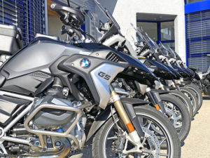 Location-Moto-Toulouse-Genève-3_W