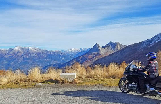 HedonistMotorcycleTours-Voyage-Moto-Alpes-Honda-Goldwing-AfricaTwin-30