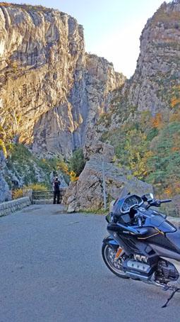 HedonistMotorcycleTours-Voyage-Moto-Alpes-Honda-Goldwing-AfricaTwin-35