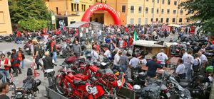 Factory_MotoGuzzi Voyages Moto Italie